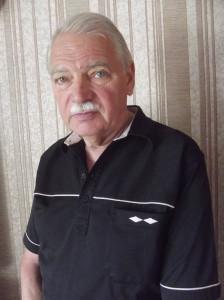 Руководитель студенческого театра «Лира»   Юрий Стрельников